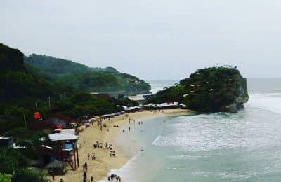 pantai indrayanti 400x260 - Pantai Indrayanti Sekalian ke Pantai Pulangsawal