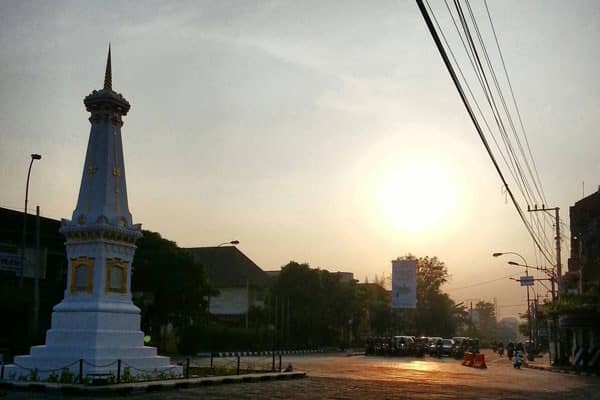 Sunset Tugu Jogja