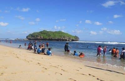 pantai drini yogyakarta 400x260 - Paket Wisata Jogja Murah Backpacker