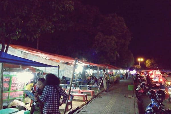 alun-alun-selatan-yogyakarta Pesona Malam di Alun-alun Kidul Jogja yang Tak Terlupakan