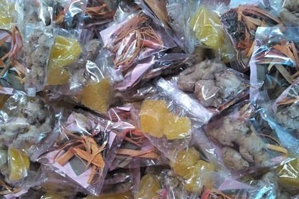 wedang-uwuh 7 Makanan Khas Jogja Buat Oleh-Oleh Saat Liburan ke Yogyakarta
