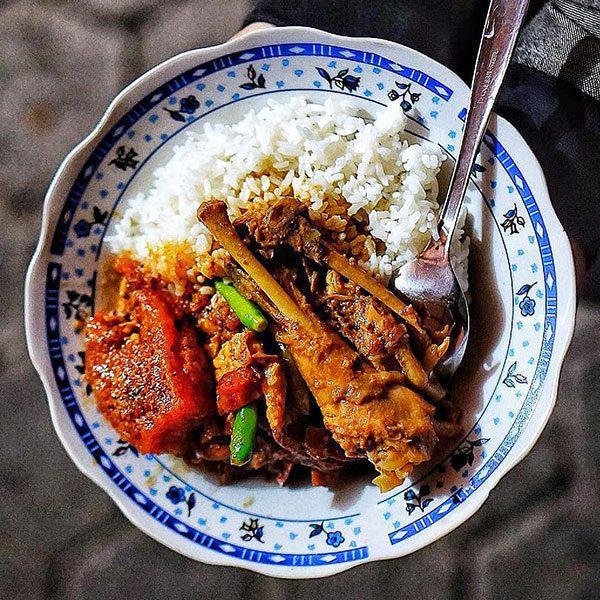 gudeg-pawon Rekomendasi Gudeg Paling Enak dan Terkenal di Jogja
