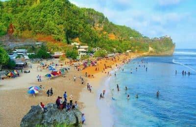 pantai pok tunggal 400x260 - Pantai Pok Tunggal: Harga Tiket Masuk dan Rute Menuju Lokasi