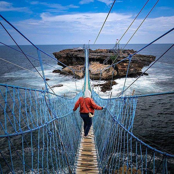 Jembatan Timang