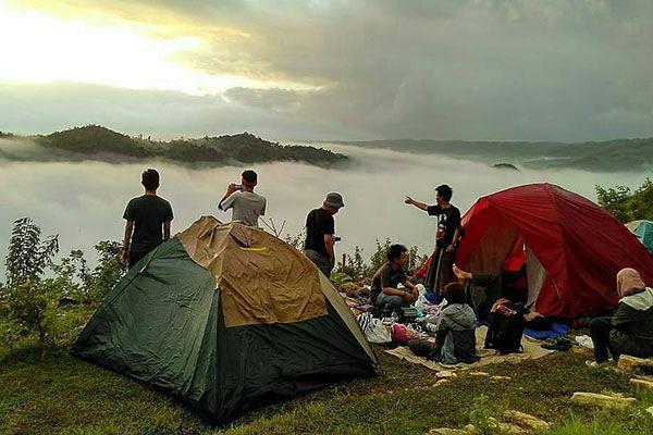 camping-tebing-watu-mabur Camping Ground Yang Seru di Tebing Watu Mabur