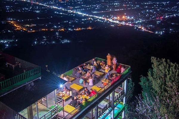 bukit-bintang-wonosari Bukit Bintang Jogja Nongkrong Romantis di Tingkat 2 Yogyakarta